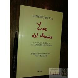 Luz del mundo Benedicto XVI...